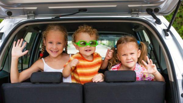 Enfants en voiture : 5 conseils pour garantir la sécurité